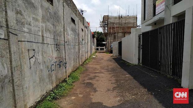 Alamat tabloid Indonesia Barokah di Pondok Melati, Bekasi, hanya berupa gang kosong dan pemukiman warga.