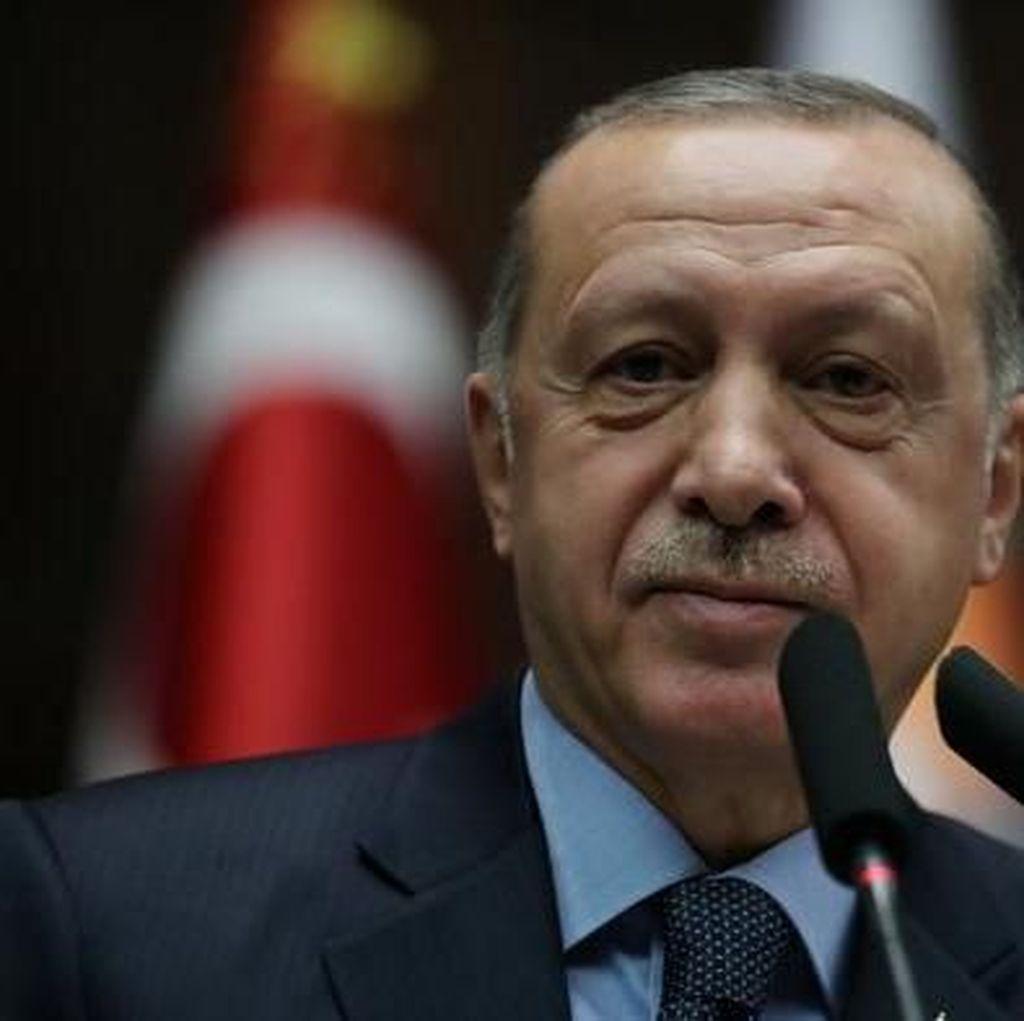 Trump Telepon Erdogan Minta Hentikan Serangan Militer ke Suriah
