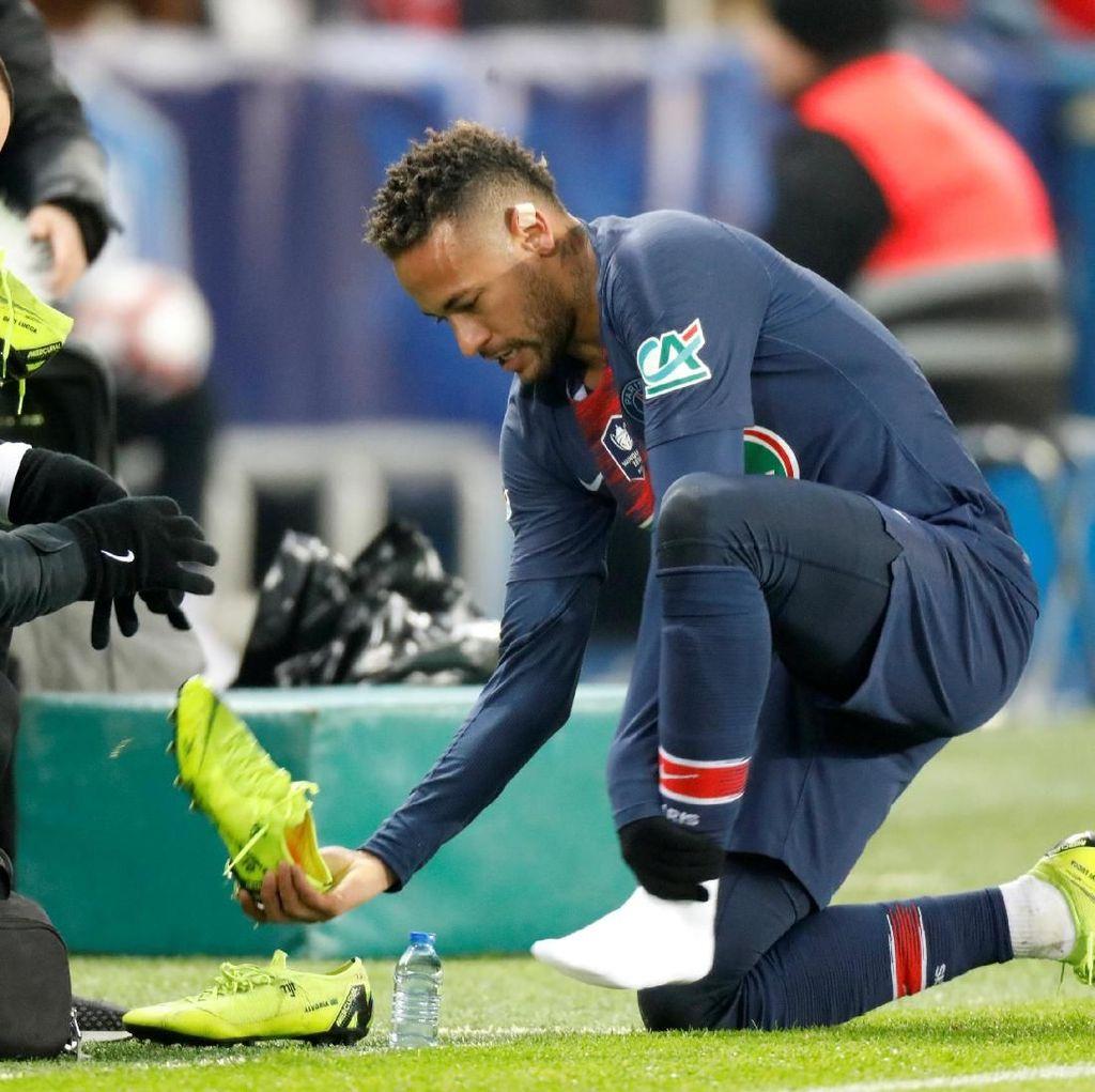 Neymar Sering Cedera di PSG, Barcelona Pikir-pikir Dulu
