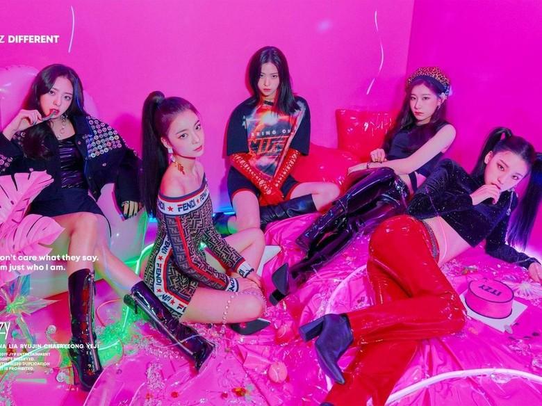 Yuk, Intip Teaser MV Lagu Debut ITZY Dalla Dalla