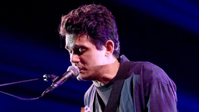John Mayer saat tampil di Burbank, California. Foto: Tommaso Boddi/Getty Images for iHeartMedia