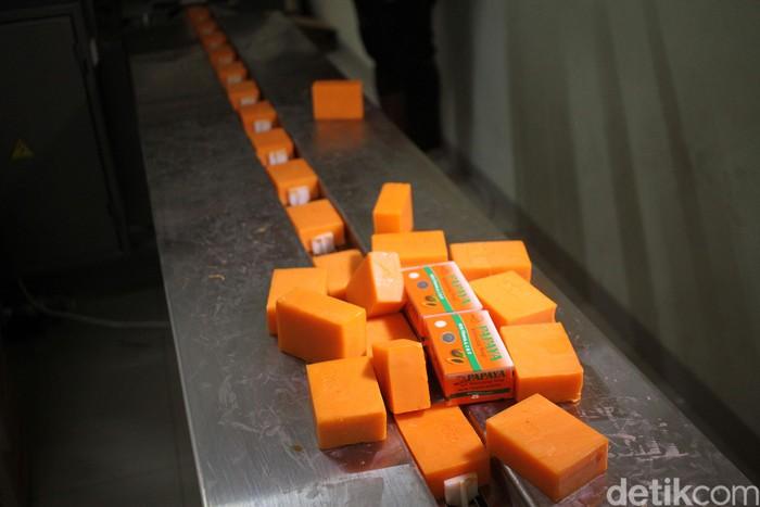 Produk sabun yang dipalsukan antara lain sabun RDL Papaya. (Foto: Rifkianto Nugroho/detikHealth)