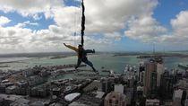 Lompat dari Gedung Tertinggi di Selandia Baru, Berani!