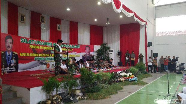 Kapolri dan Panglima TNI Kunjungi Ponpes Buntet Cirebon
