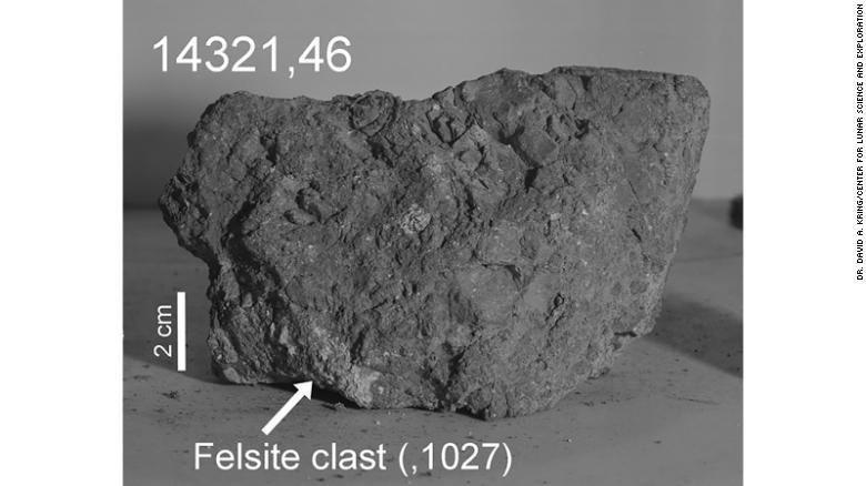 Astronot Apollo 14 Temukan Batu Bumi Tertua di Bulan
