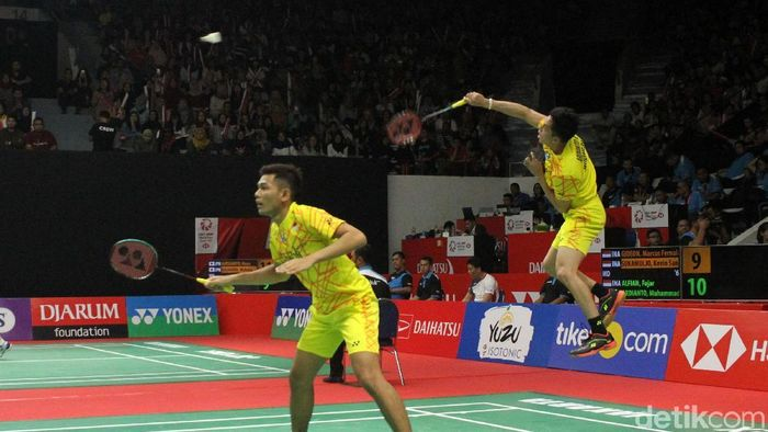 Fajar Alfian/Muhammad Rian Ardianto lolos putaran kedua Singapura Terbuka 2019. (Rifkianto Nugroho/detikSport)