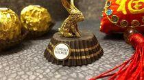 Seniman Ini Bikin Patung Pikachu hingga Kelinci dari Bungkus Ferrero Rocher