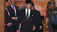 Mahathir Mundur, Raja Malaysia Panggil 221 Anggota Parlemen Satu per Satu
