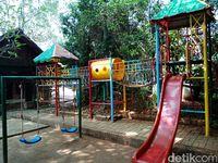 Playground untuk anak-anak.
