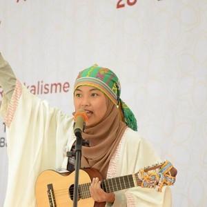 Mengenal Rona Mentari, Hijabers Pendongeng yang Sudah Go International