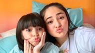 7 Foto Bukti Miripnya Ibu-Anak, Marshanda dan Sienna