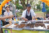 Makan Serangga di Thailand, Siapa Takut!