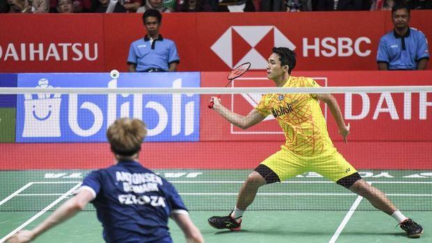 Jonatan Christie kalah dari pebulutangkis Denmark Anders Antonsen di semifinal Indonesia Masters 2019. (