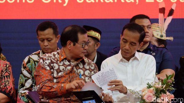 Jokowi didampingi Pramono Anung /
