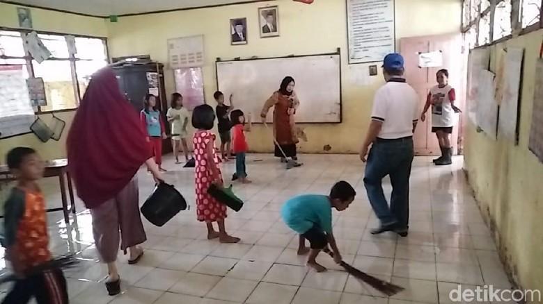 830+ Gambar Anak Sekolah Gotong Royong Gratis