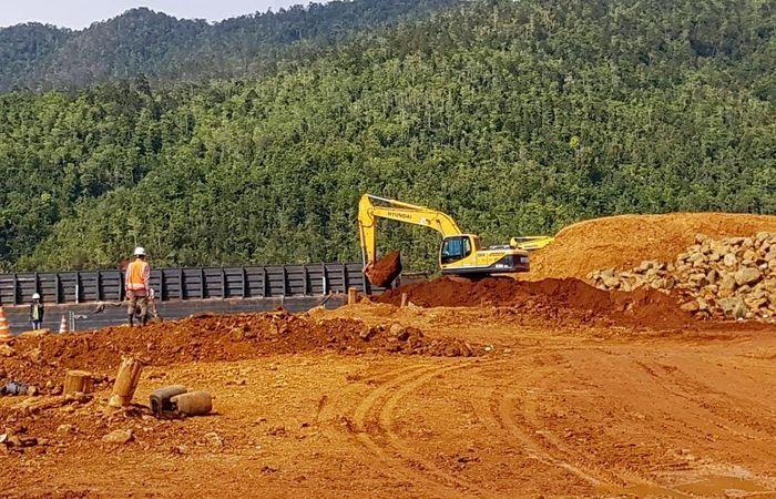 Permasalahan pertambangan di daerah, memang sangat kompleks. Permasalahan pertambangan ilegal dan juga perusahaan tambang yang tidak memenuhi keharusan clean and clear (CnC) juga sangat banyak. Sebelumnya, massa yang tergabung dalam Forum Mahasiswa Pemerhati Investasi Pertambangan (Forsemesta) Sulawesi Tenggara (Sultra) menyambangi Kementerian ESDM RI, Rabu (23/1/2019). Mereka menuntut Kementerian ESDM RI untuk segera memberikan sanksi pencabutan Izin Usaha Pertambangan (IUP) PT Babarina Putra Sulung akibat aktivitas penambangan ilegal yang dilakukan perusahaan tersebut. Foto: dok. Forsemesta
