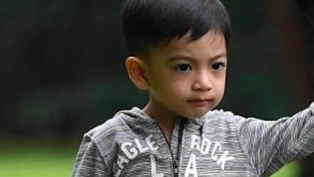 Senyum Kecut Gibran Saat Jan Ethes Merasa Mirip Mbah Jokowi