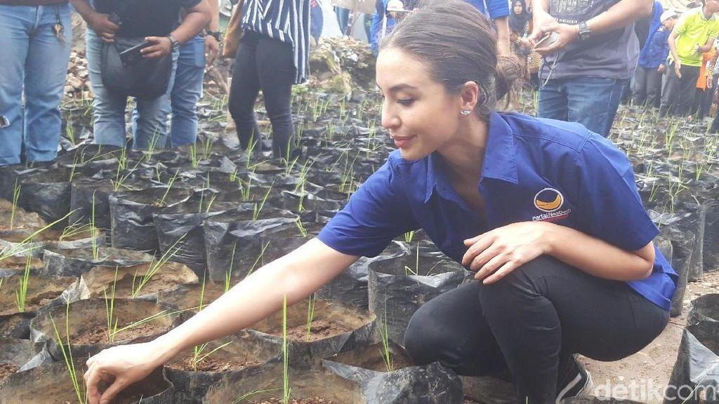 Manohara Ajak Emak-emak di Surabaya Kurangi Sampah Plastik