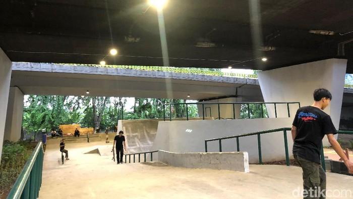 Skatepark di flyover Slipi. Foto: Ayunda Septiani/detikHealth