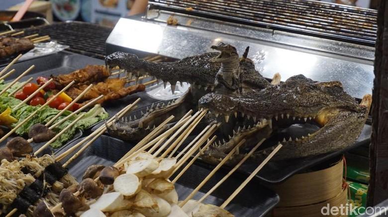 Kuliner Ekstrem Di Thailand Makan Buaya Sampai Belalang