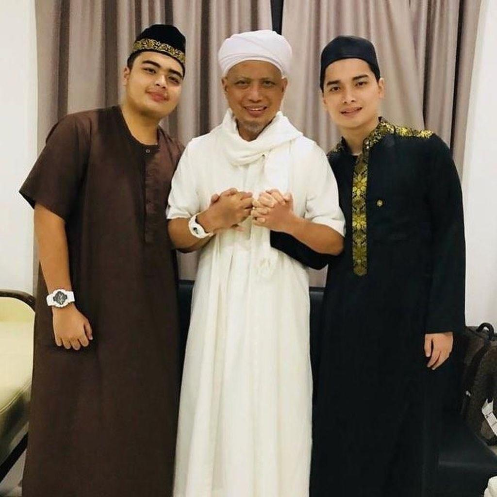 Istri Ustaz Arifin Ilham Cerita Perilaku Putrinya Usai Ditinggal Sang Abi