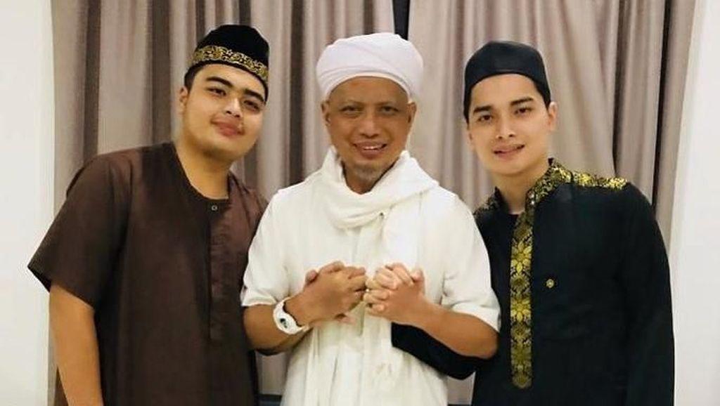 Ustaz Arifin Ilham Kritis, Anak Minta Doa