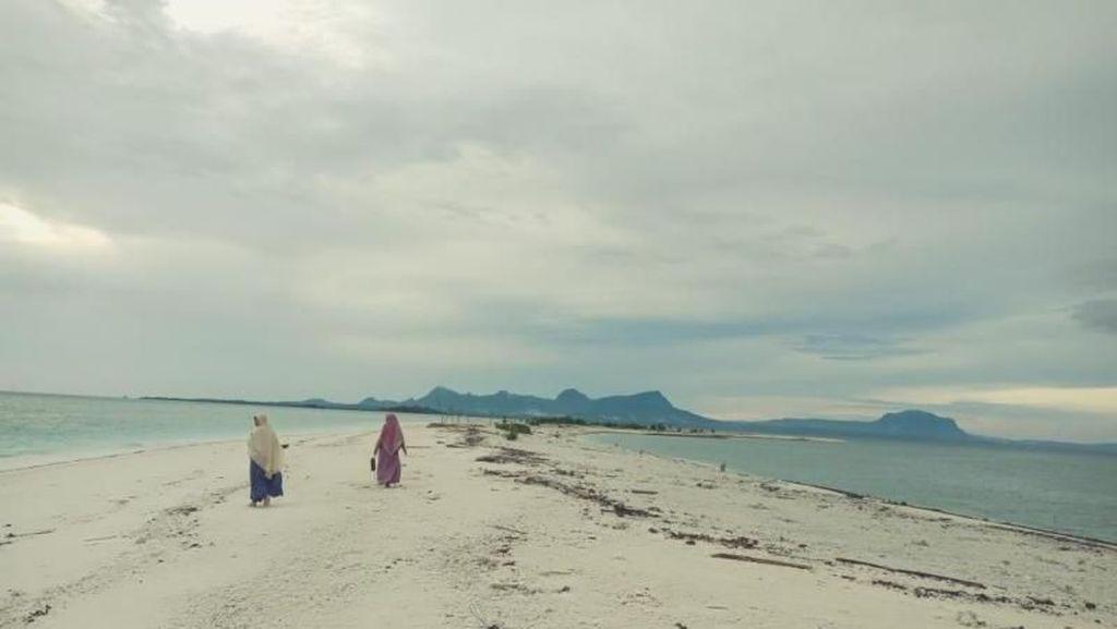 Tanusang, Pasir Timbul Cantik dari Maluku