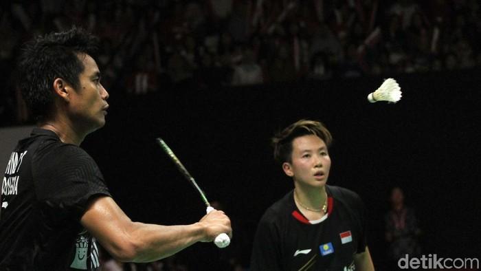 Tontowi Ahmad/Liliyana Natsir harus puas menjadi runner-up Indonesia Masters 2019. Laga itu menjadi penanda akhir karier Liliyana di bulutangkis.