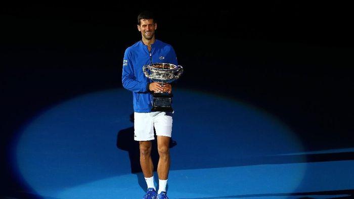 Juara Australia Terbuka 2019, Novak Djokovic sekarang sudah punya 15 gelar grand slam (Foto: Mike Owen/Getty Images)