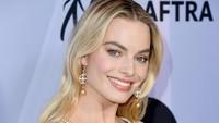 Sudah lebih dari satu dekade, Margot Robbie berkarier di dunia entertainment.Jon Kopaloff/Getty Images