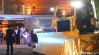 Intraco Penta Tbk (INTA) membuka cabang baru di Surabaya, Jawa Timur. Cabang tersebut akan memasarkan alat berat berupa Dozer merk Dressta untuk wilayah Jawa dan sekitarnya , Surabaya, Jumat (25/01/2019). Istimewa