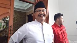 Gus Ipul Pilih Jadi Petani Tomat Usai Lepas Jabatan Wagub Jatim