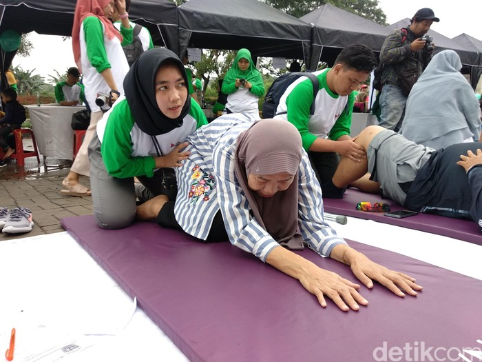 Kegiatan ini bertujuan untuk mengenalkan lebih dekat fisioterapi kepada masyarakat sekitar. (Foto: Widiya Wiyanti/detikHealth)