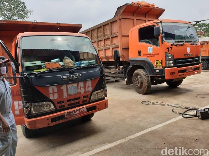 Kegiatan perawatan kendaraan operasional ini diselenggarakan oleh Astra Isuzu bekerja sama dengan Dinas Lingkungan Hidup Provinsi DKI Jakarta.