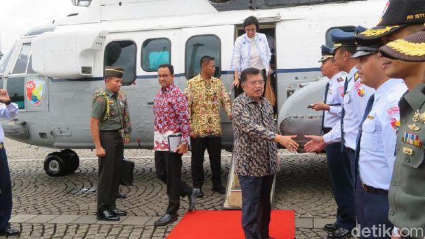 JK pagi tadi sempat meninjau sejumlah titik kemacetan di wilayah Jabodetabek menggunakan helikopter TNI AU.