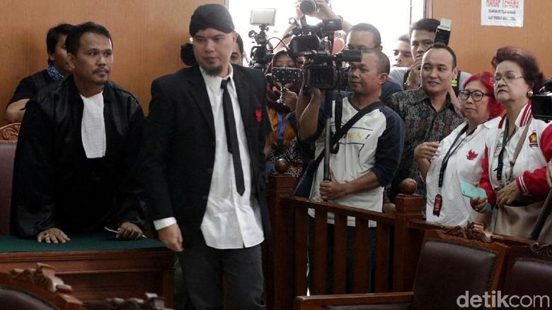 Pengacara Ahmad Dhani Sebut Vonis Hakim Tak Masuk Logika Hukum