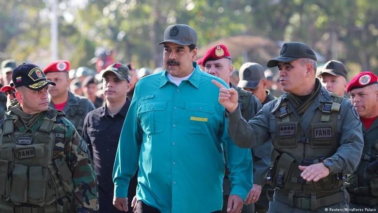 Krisis Venezuela, Maduro dan Guaido Berebut Dukungan Militer