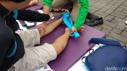 Profesi fisioterapi masih belum begitu populer. Untuk semakin memperkenalkannya, para fisioterapis di Kota Depok menggelar bakti sosial baru-baru ini.
