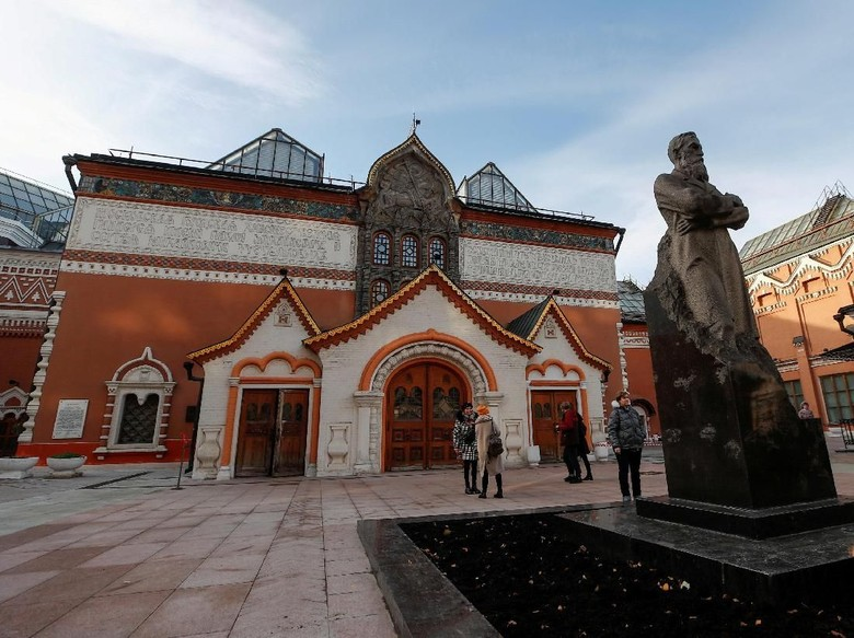 Rusia Tangkap Pencuri yang Gondol Lukisan Rp 13,8 M Siang Hari Bolong