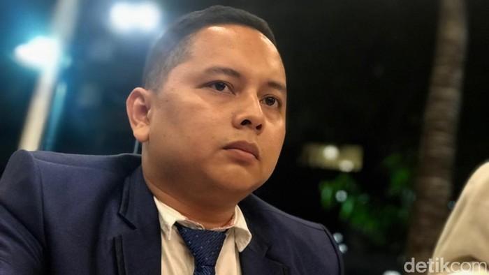 Pitra Romadoni Nasution, pengacara Lucky Andriani