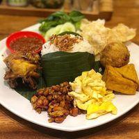 Habis Gajian Bisa Makan Enak Dan Kenyang Di Kawasan Kelapa