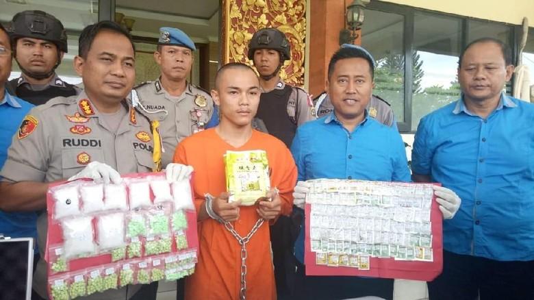 Pengedar Permen Narkoba Dibekuk di Denpasar