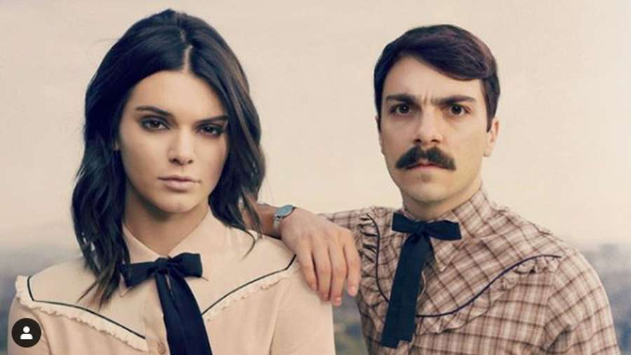 Lucu! Kendall Jenner dan Saudara yang Tak Diakui