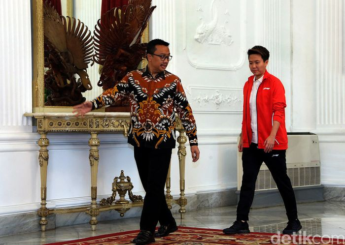 Butet sapaan akrab Liliyana Natsir, didampingi Menpora Imam Nahrawi saat akan bertemu Presiden Joko Widodo (Jokowi).