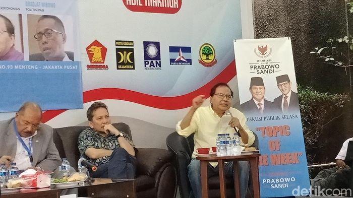 Foto: Rizal Ramli saat diskusi bertema Jokowi Raja Impor? di kantor Seknas Prabowo-Sandi. (Eva-detikcom)