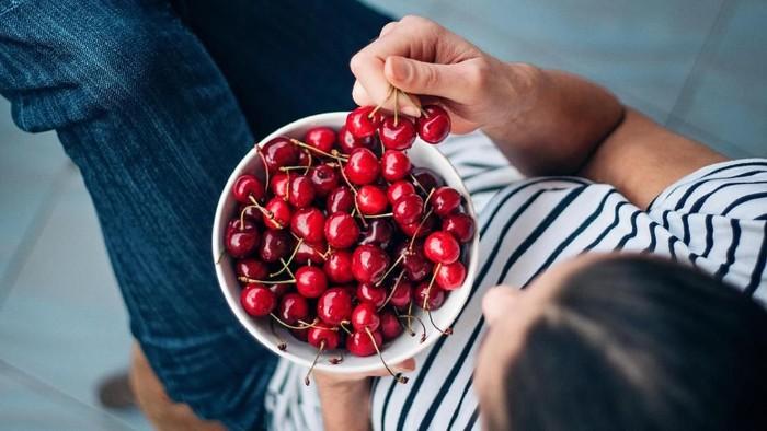 Buah-buahan berikut bisa membantu meredakan sakit di kepala. Foto: iStock