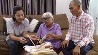 Kaget! Beli Ketan Bakar Bambu, Wanita Ini Temukan Kadal Mati
