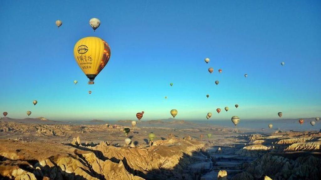 Takjub! Naik Balon Udara di Cappadocia