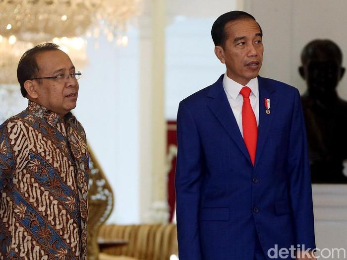 Presiden Jokowi Saat menyambut Liliyana Natsir di Istana Merdeka, Jakarta, Selasa (29/1/2019).