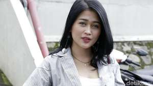 Tata ex Mahadewi Mulai Bersolo Karier